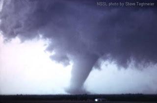 tornado05 Penyebab Terjadinya Tornado